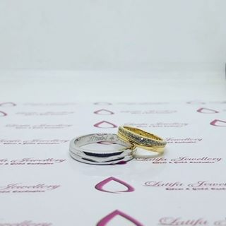 wedding ring placement meaning
