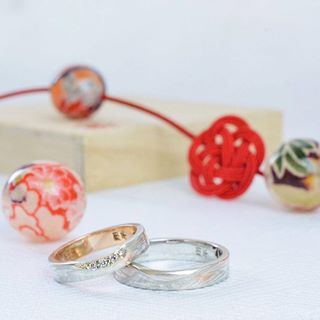 wedding rings and roses pictures