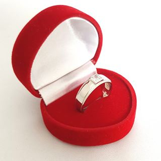 modern day wedding rings