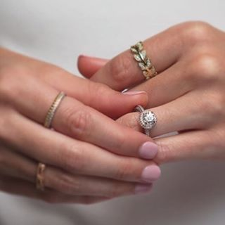 simple modern wedding rings